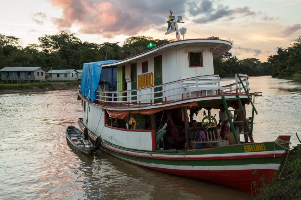 Houseboat Amazon (Photo by Christina Selby)