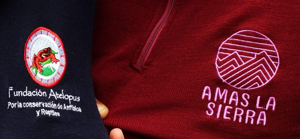 Fundacion Atelopus and Amas la Sierra logos showcasing their partnership